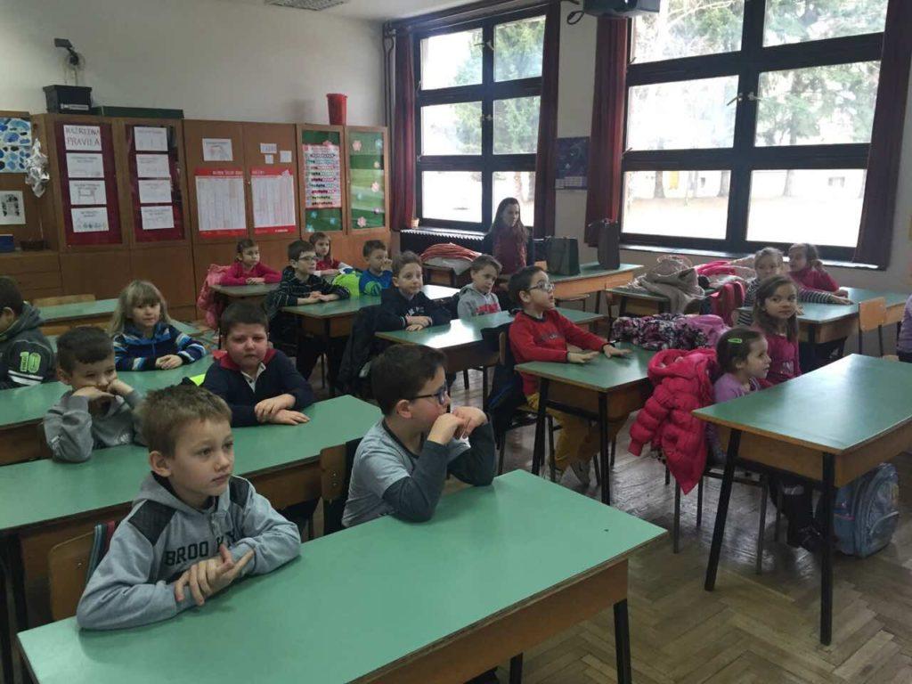 """Predškolci """"Male škole"""" u školi"""