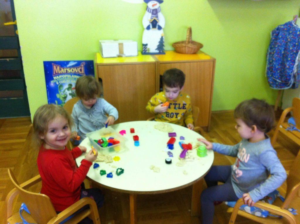 Ježići razvijaju finu-motoriku prstiju i šake