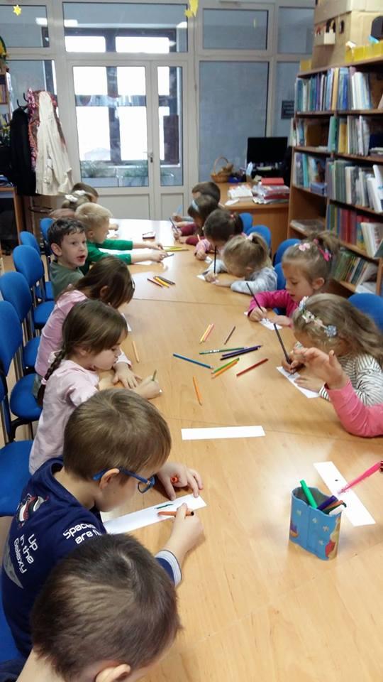 Cvjetići u gradskoj knjižnici obilježili Mjesec hrvatske knjige