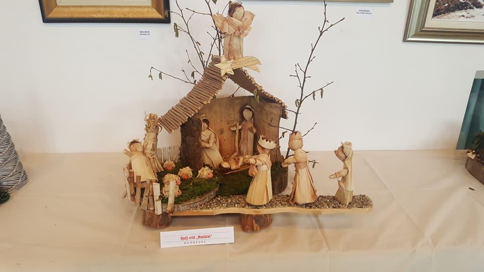 3. Izložba jaslica, slika i unikatnih božićnih ukrasa.