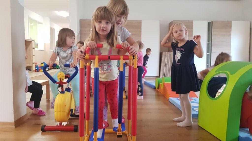 Maslačak za sve: na početku nove predagoške godine mališane oduševilo preko 1.000 novih igračaka i opreme iz projekta