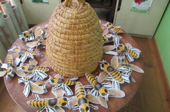 LEPTIRIĆI PROUČAVAJU PČELE